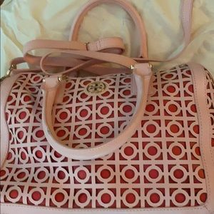 Tory Burch Kelsey Middy Satchel pink/Red.  NEW